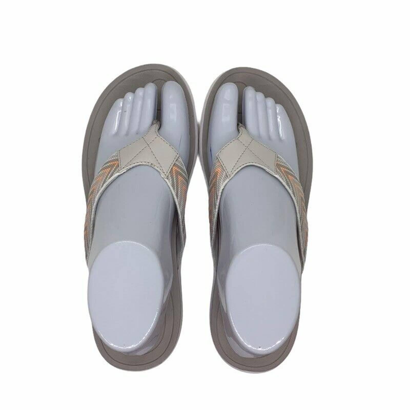 Easy Spirit Flip Flop Sandals Geometric