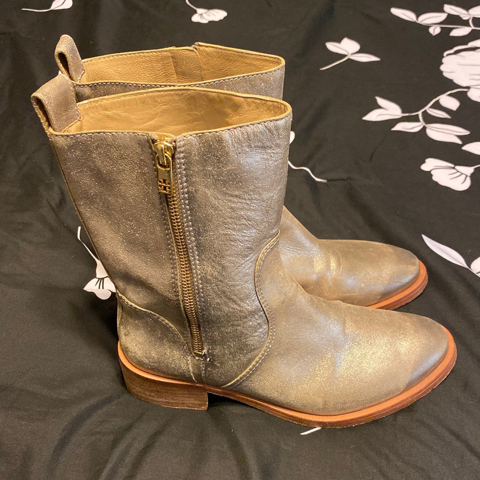 tory burch Boots size 8.5