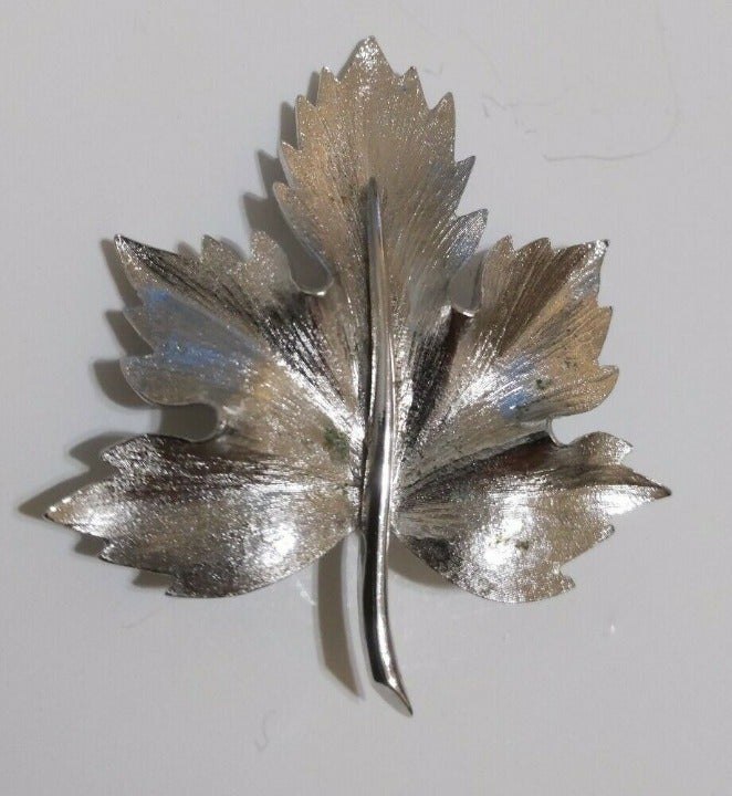 Vintage BOUCHER Silver Tone brooch pin