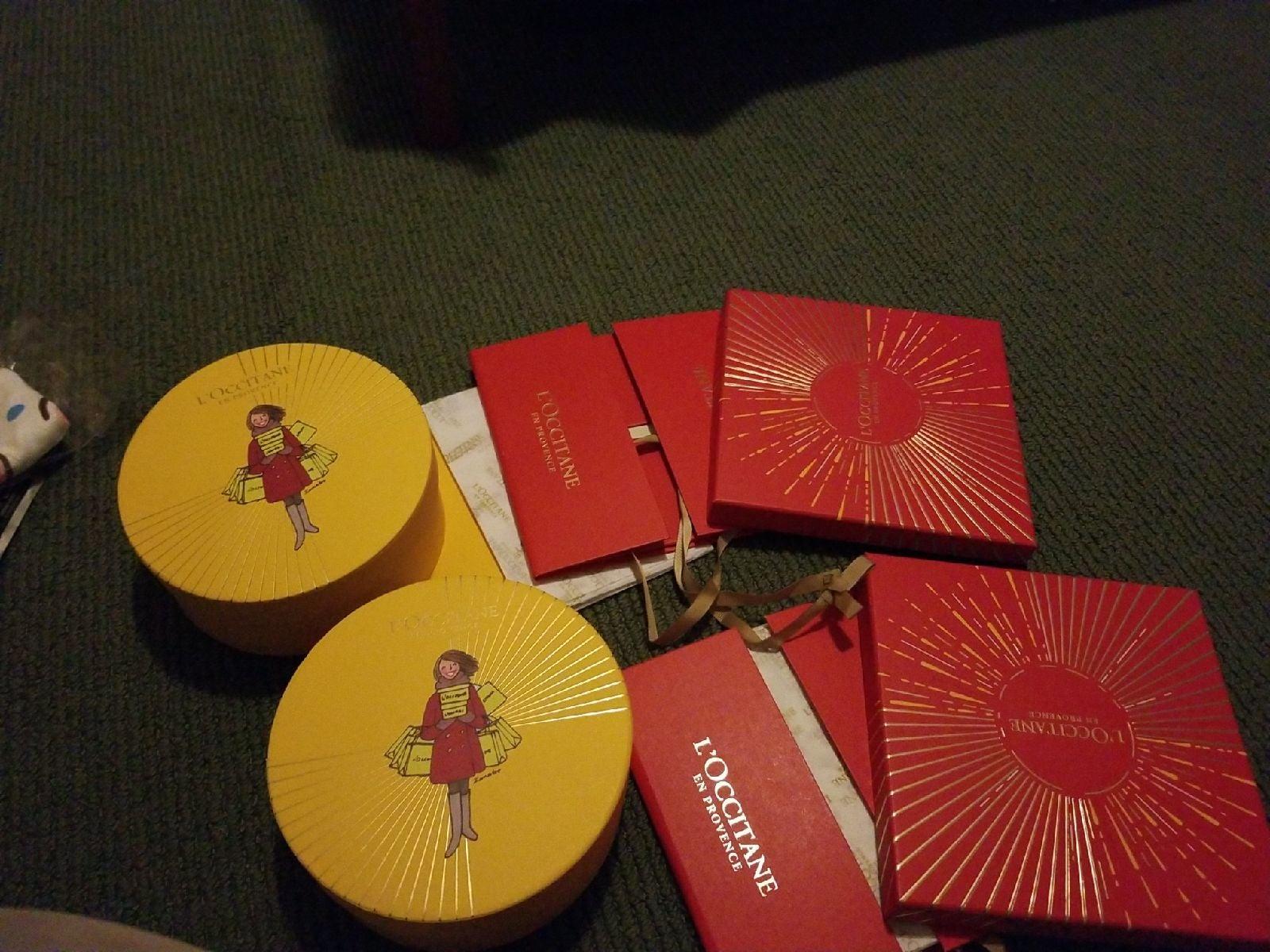 Bundle Loccitane Cartoon Red Gift Boxes