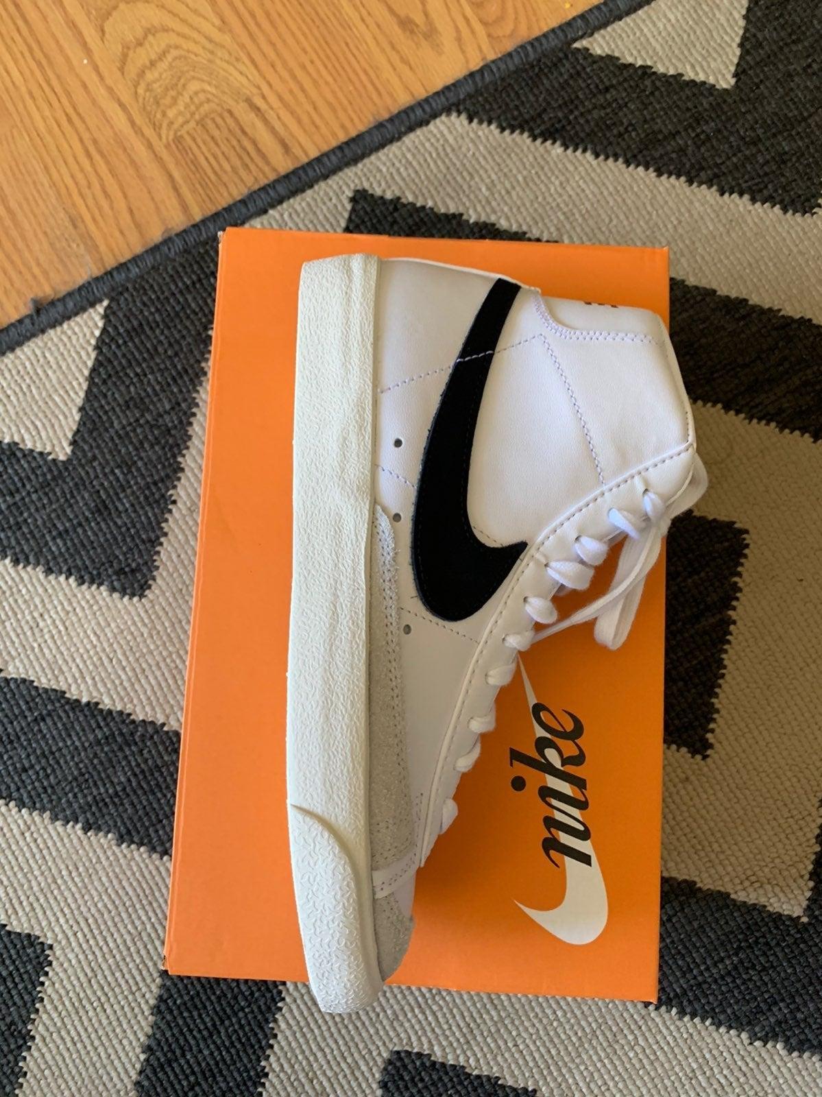 Nike Blazer Mid '77 Vintage W