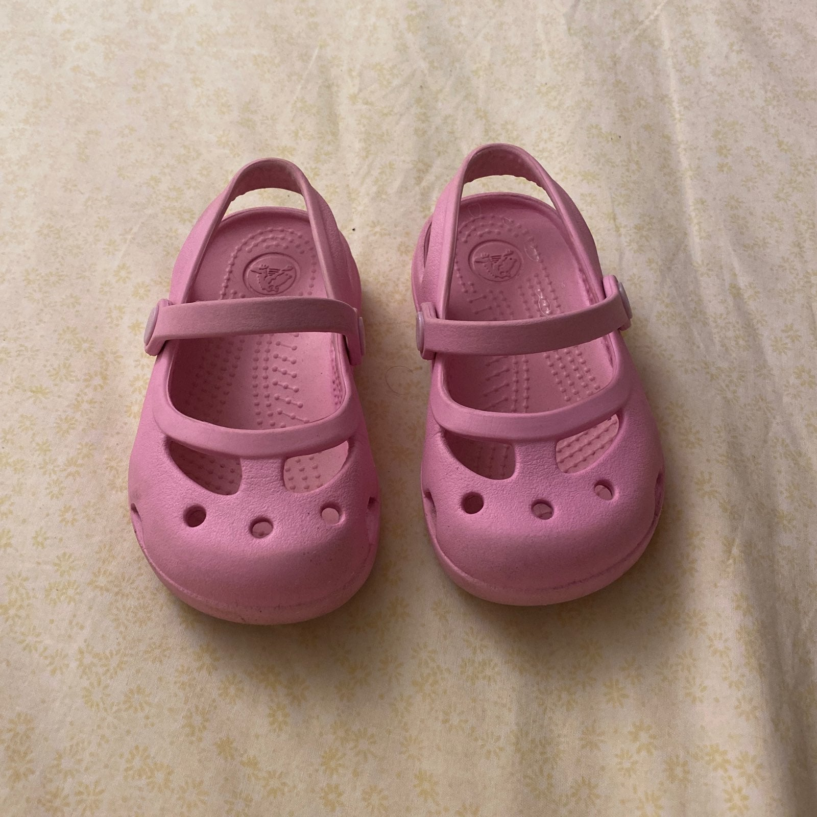 Crocs Mary Janes size 6 Pink