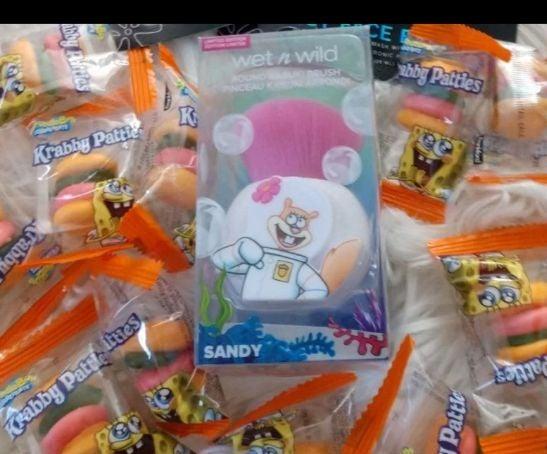 Spongebob Sandy Kabuki brush New