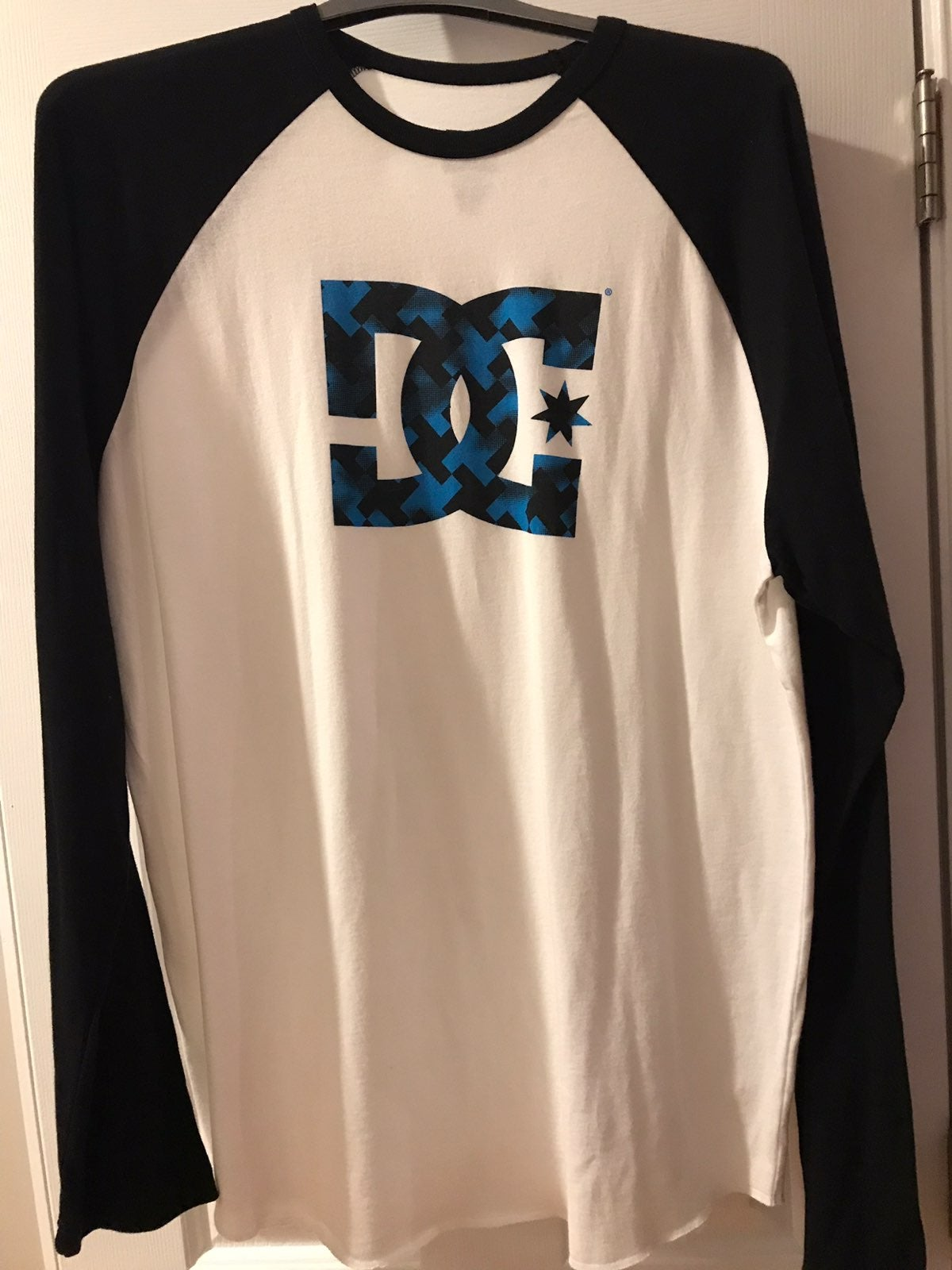 Mens Long Sleeve DC Tee Shirt XL New