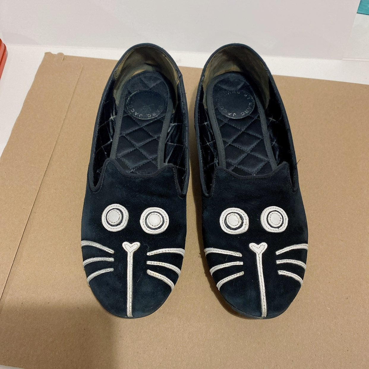 Marc Jacobs cat flats