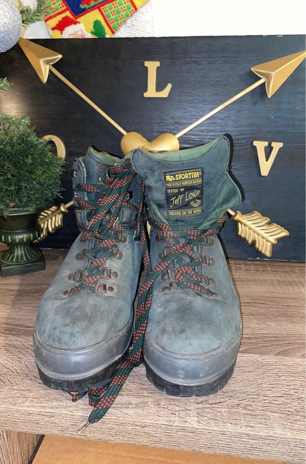 la sportiva hiking boot