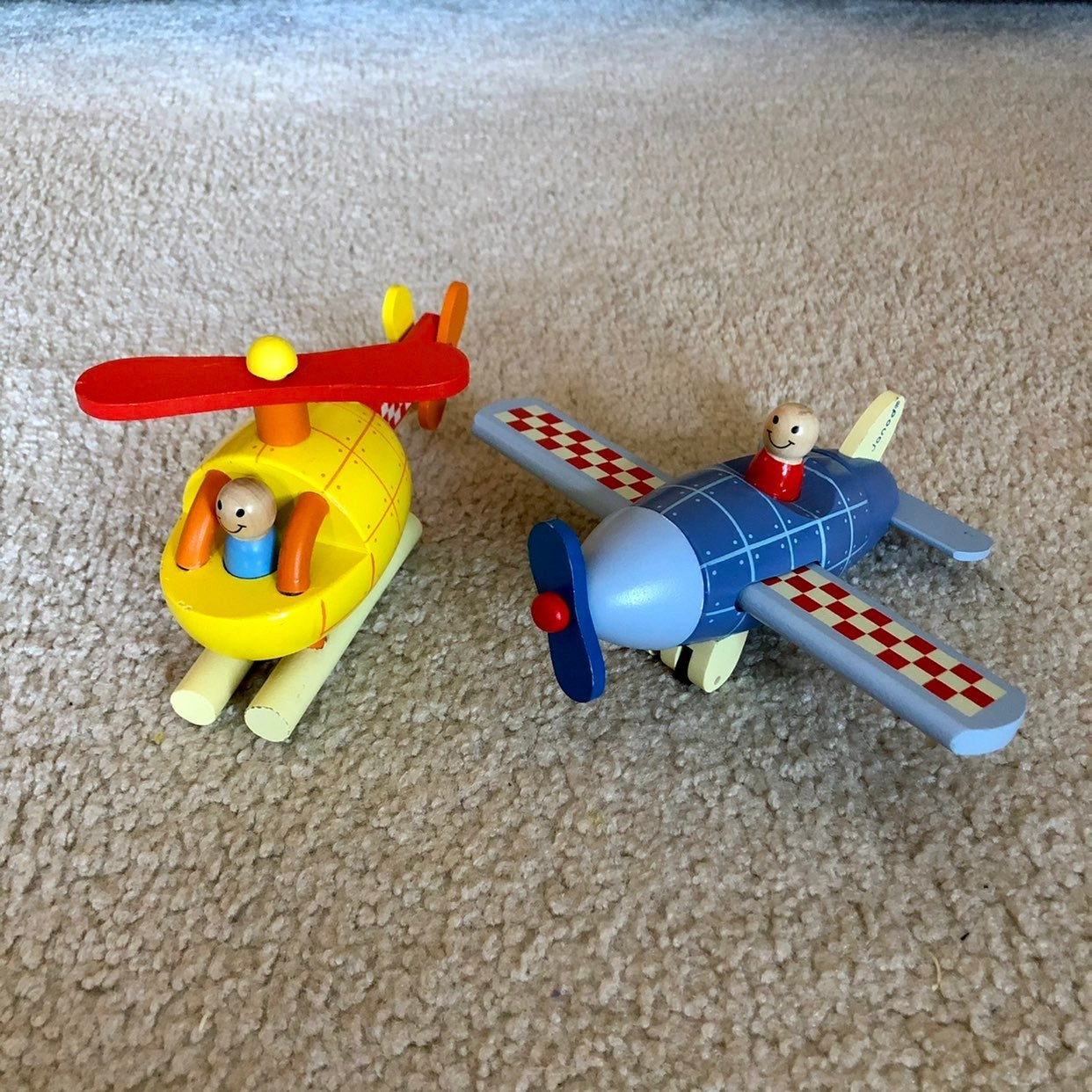 Janod Wood Magnet Helicopter & Airplane
