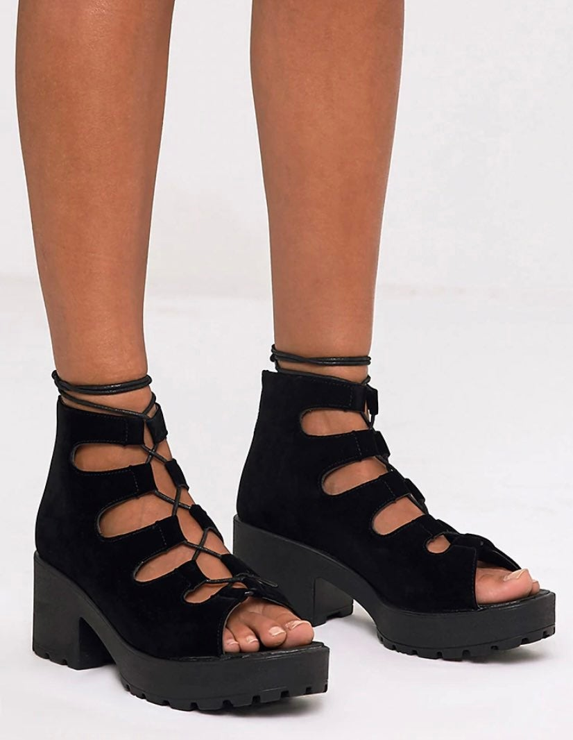 Pretty Little Thing Candice Sandals 9