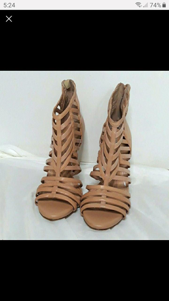 Gianni Bini caged nude heels size 10