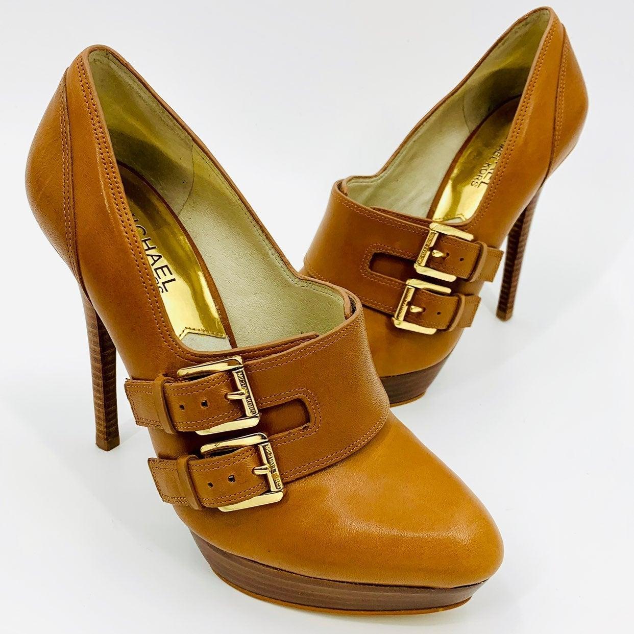 Michael kors 8 brown gold buckle heels
