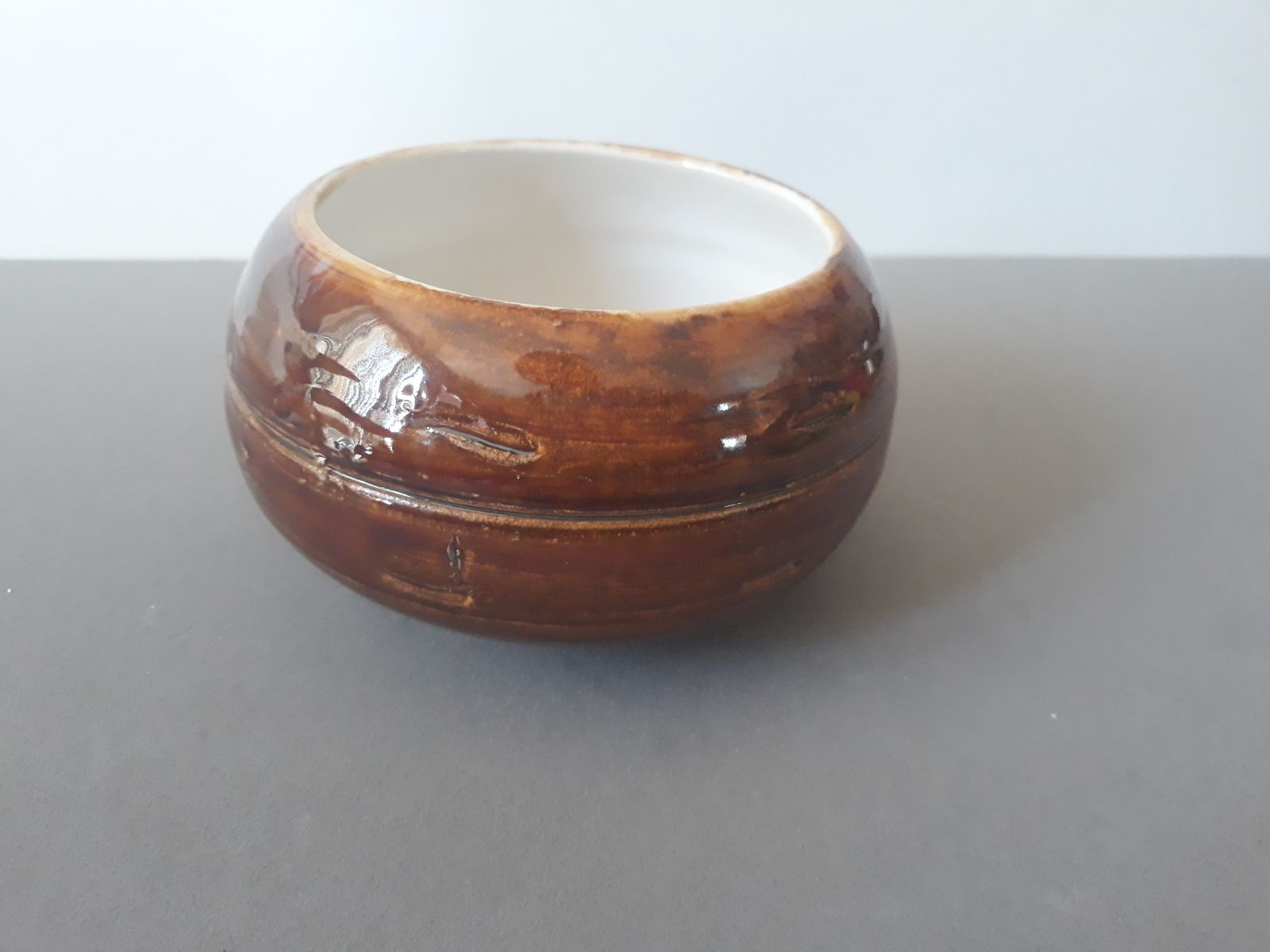 Brown and white bowl