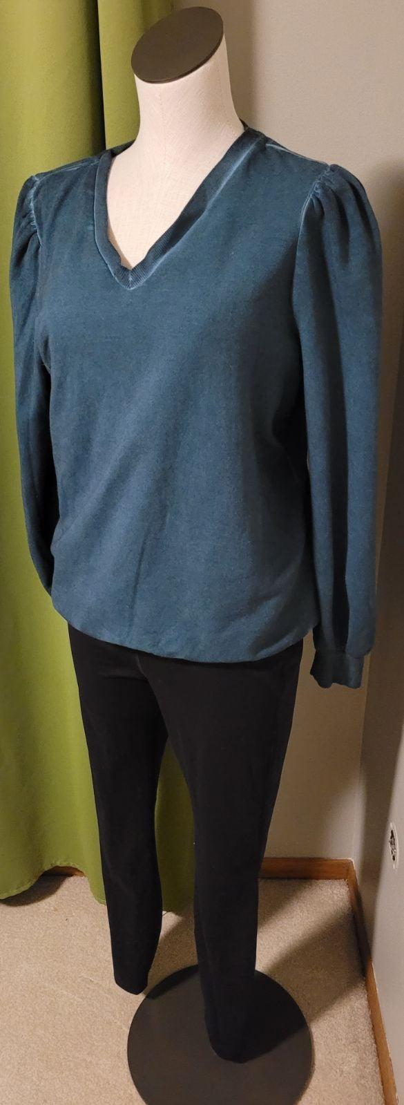 XS sweatshirt
