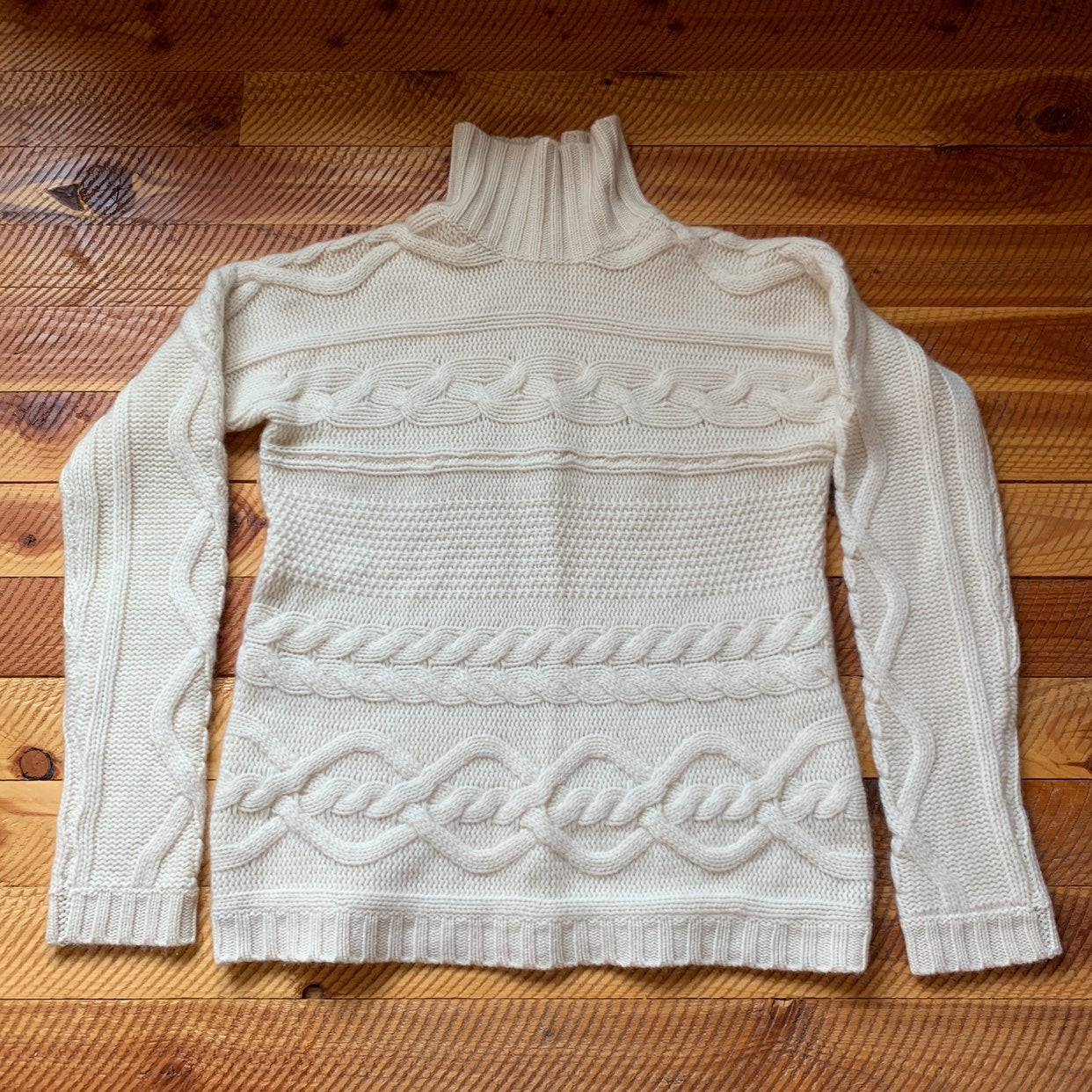 Garnet Hill Cashmere Cable Knit sweater