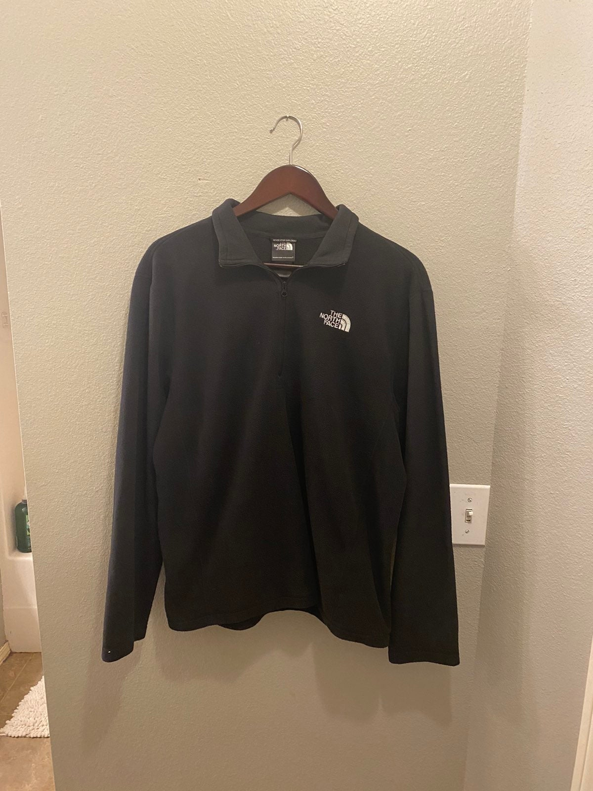 The North Face Quarter Zip Size M