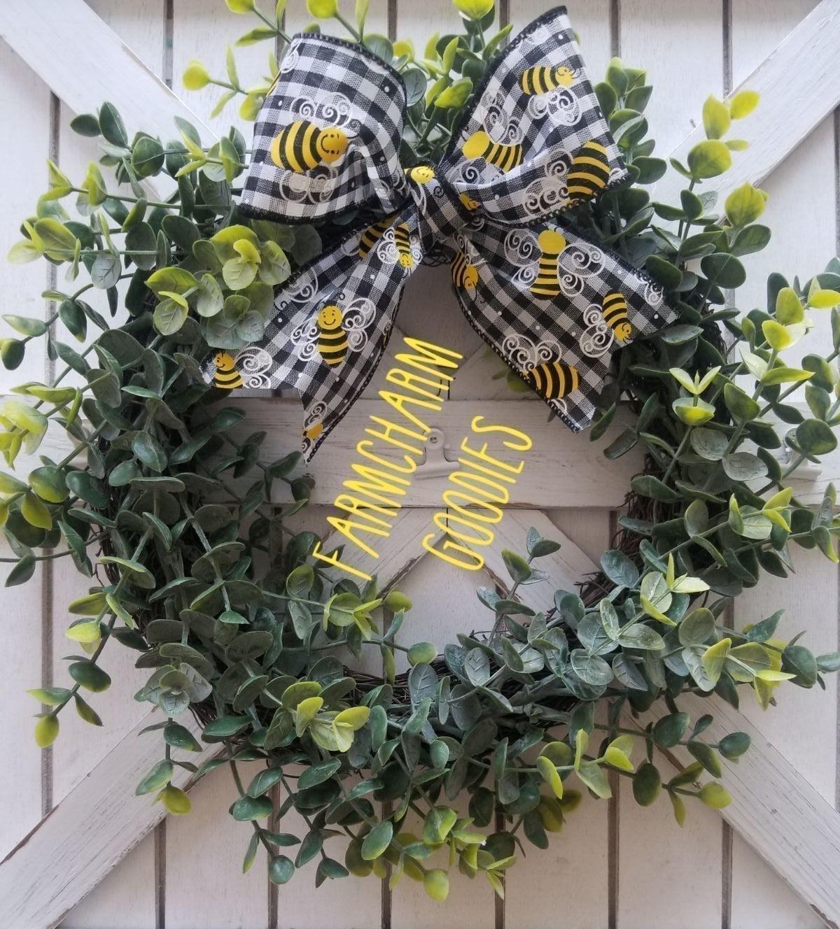 FARMHOUSE EUCALYPTUS WREATH BEE