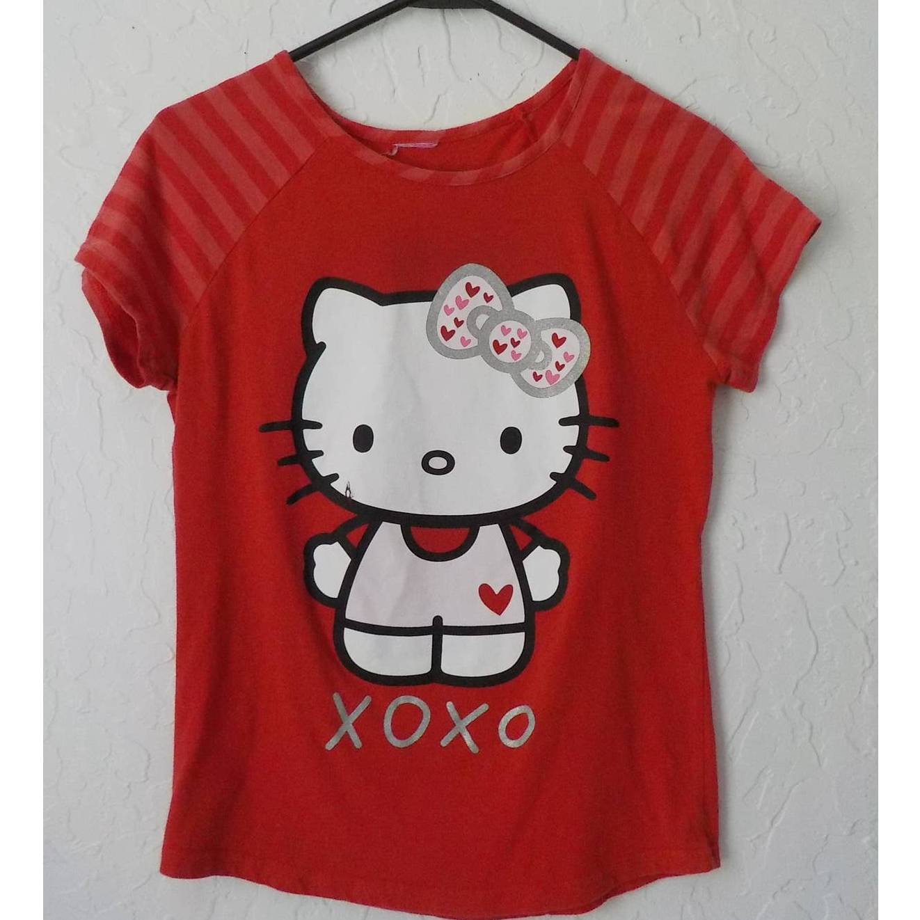 Hello Kitty Tshirt Red Graphic Tee Small