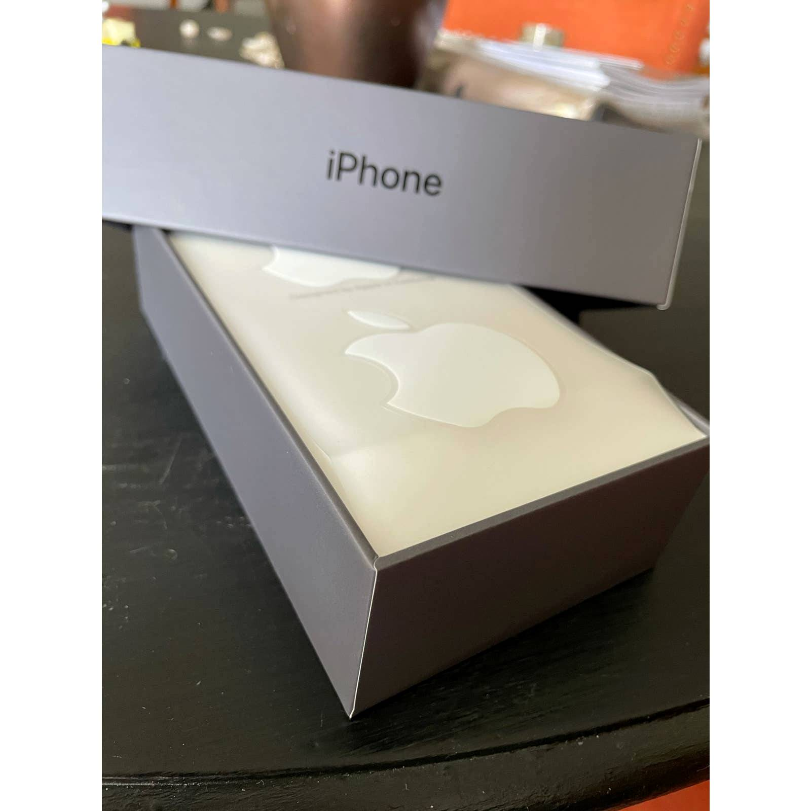 Apple iPhone 8Plus Box Empty Package