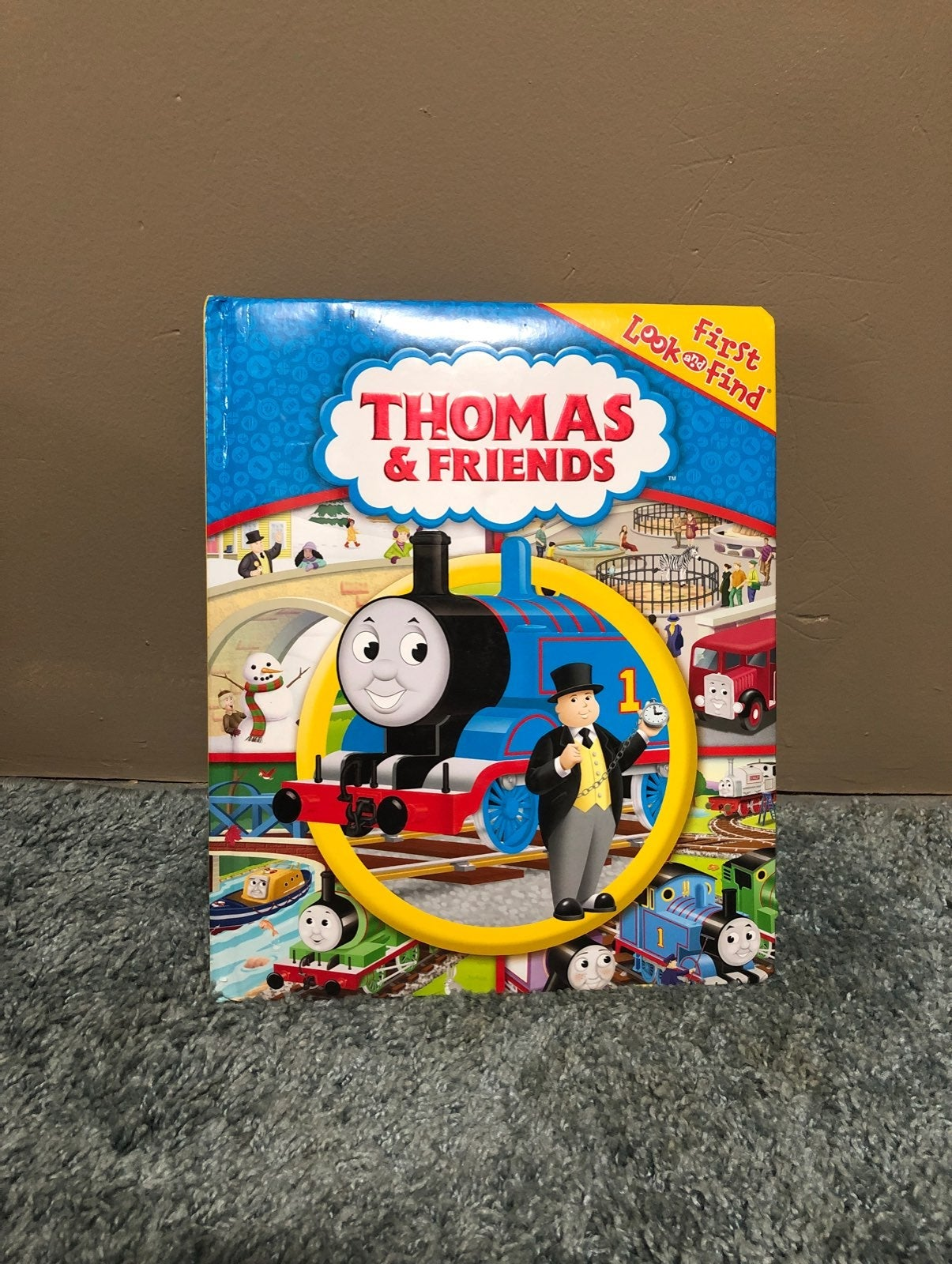 Thomas and Friends Look and Find book