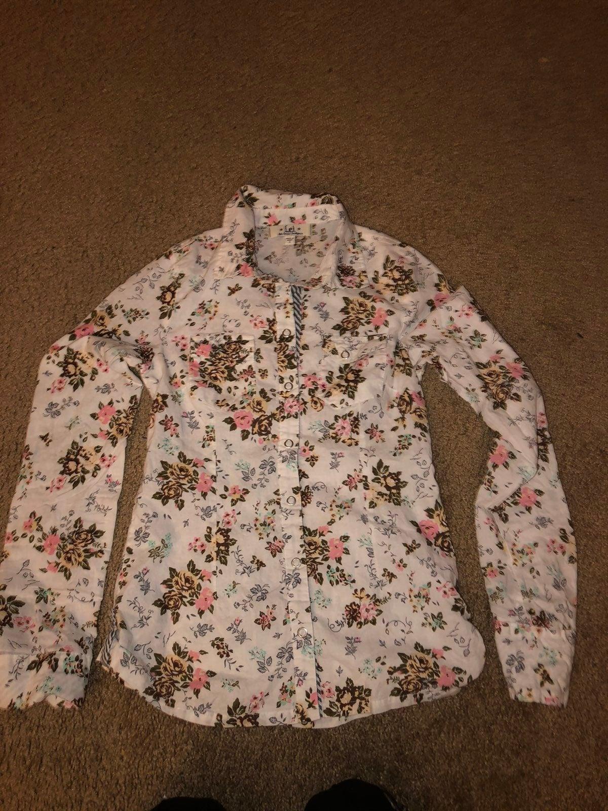 Woman's LEI shirt