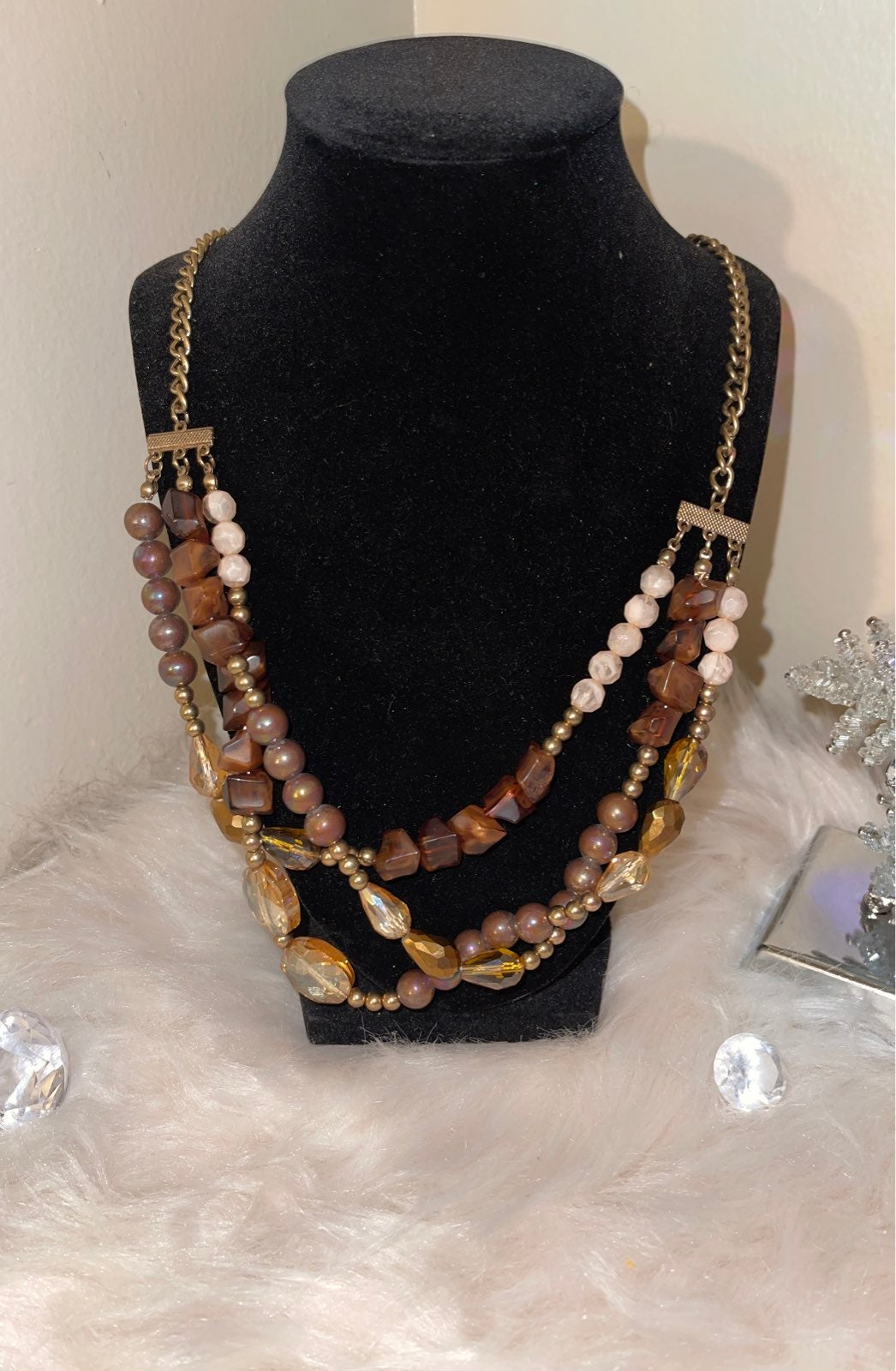 Necklace and earring set.Avenue