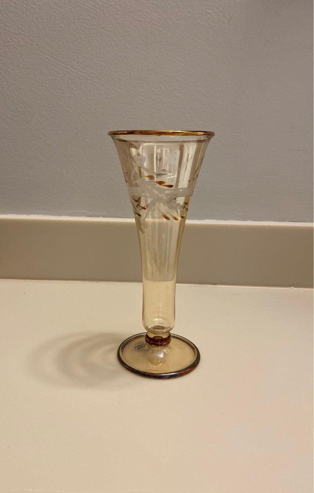 Royal limited crystal vase