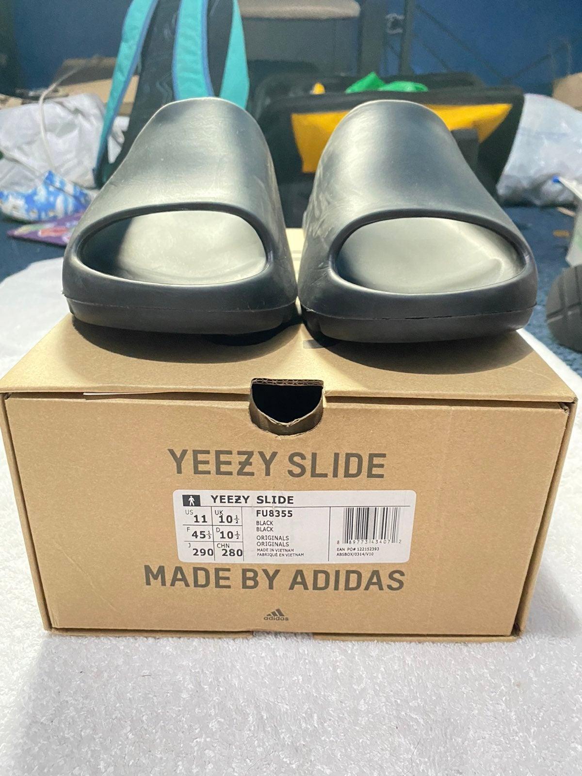 Yeezy slide black size 11