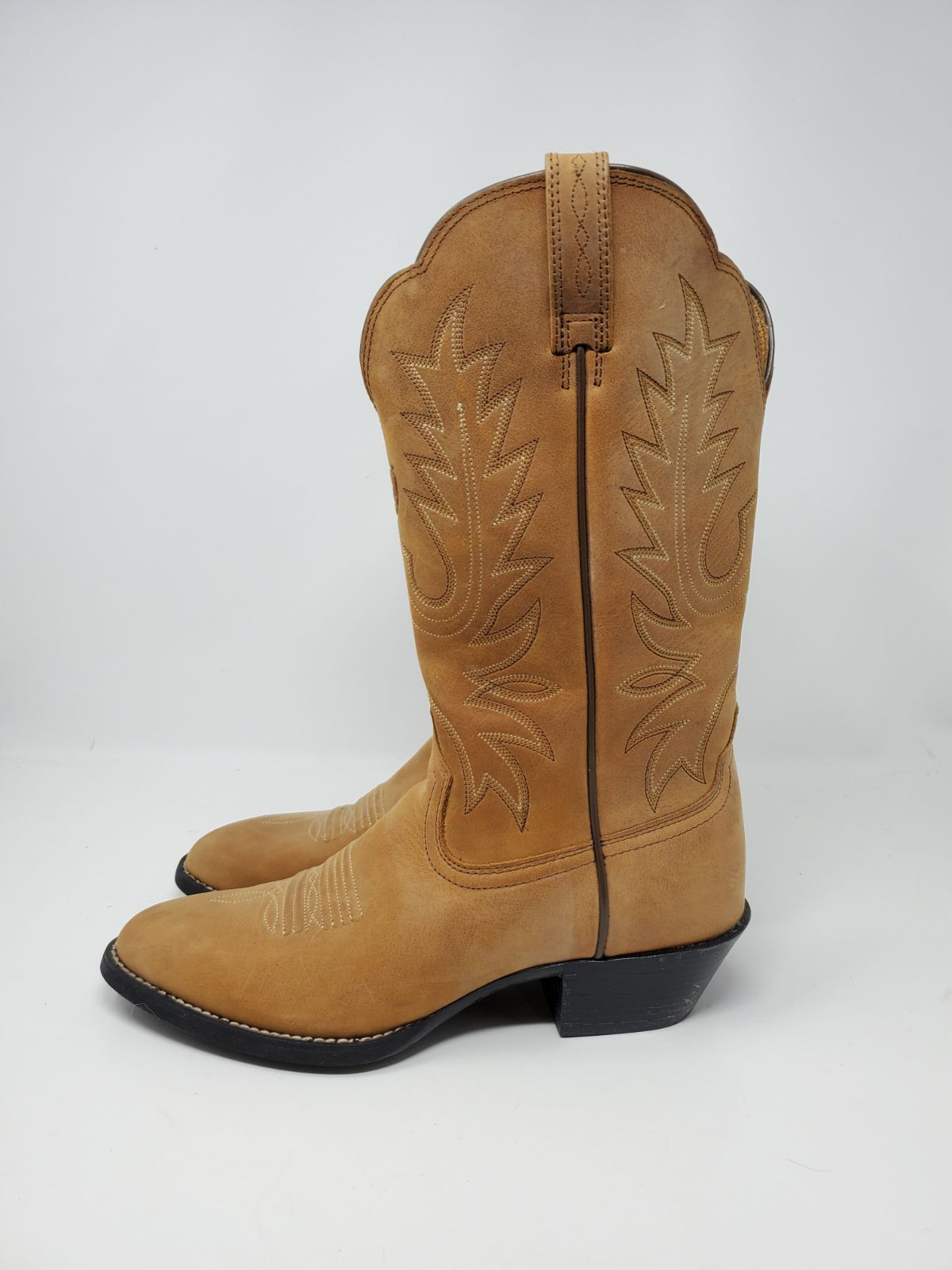 NEW ARIAT WESTERN BOOTS