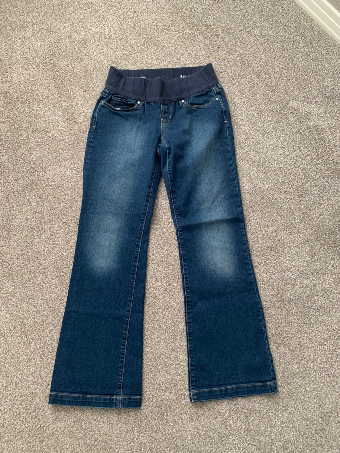 Gap long and lean maternity jeans size 6