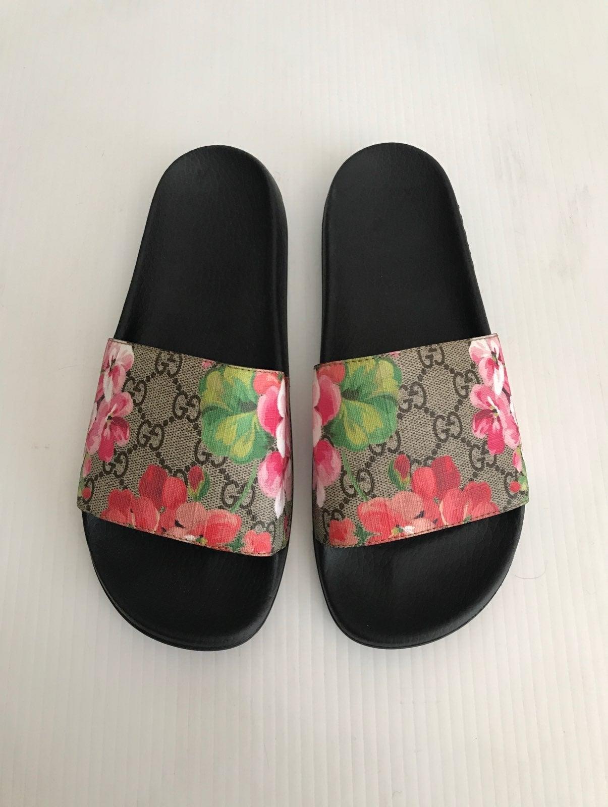 Gucci GG Bloom Pursuit Slide Sandal 40