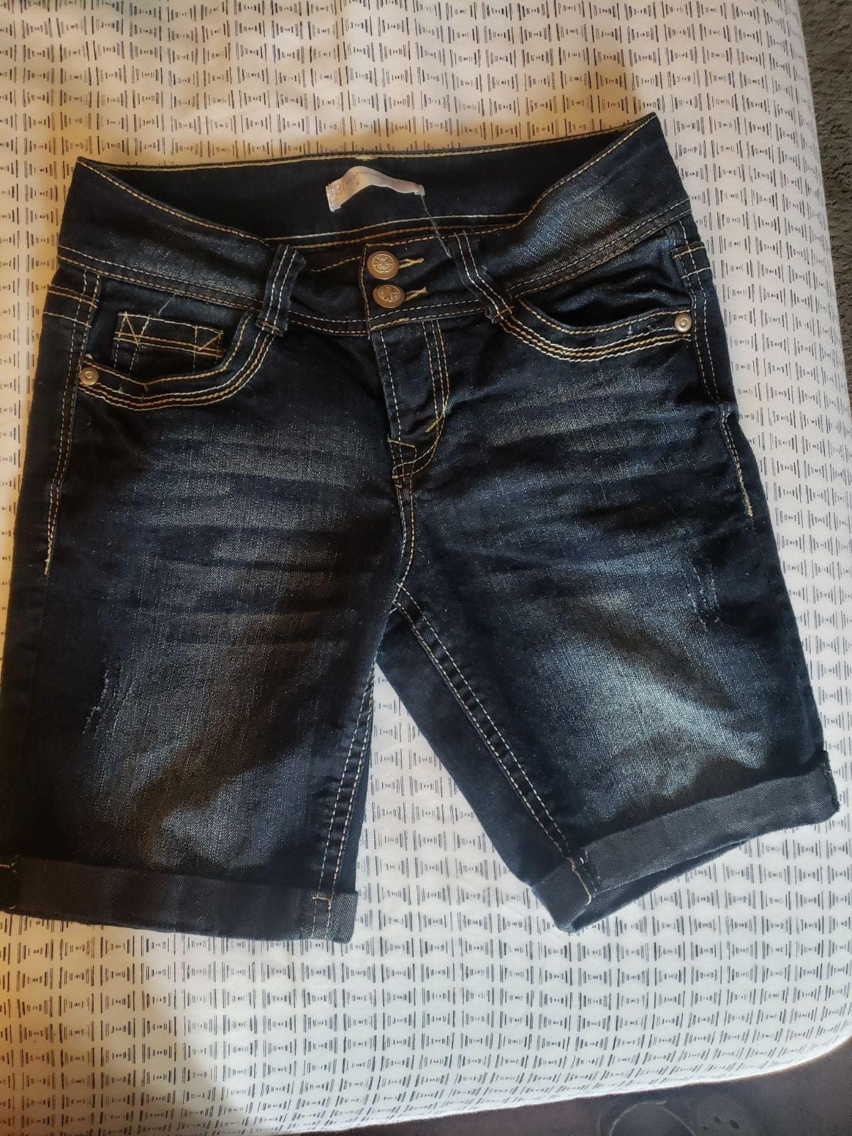 Womens shorts size 9