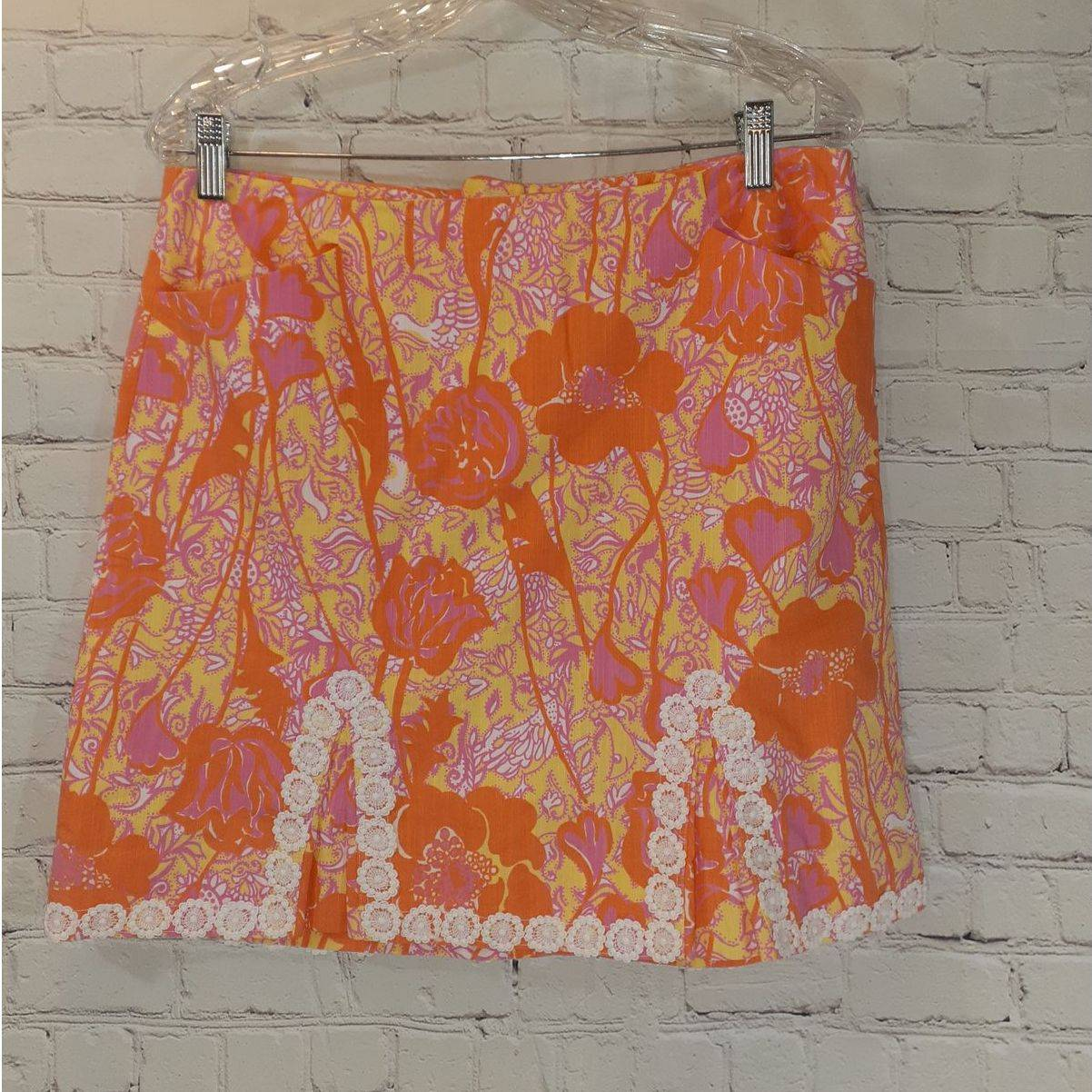 Lily Pulitzer skirt w/ lace detailing 8