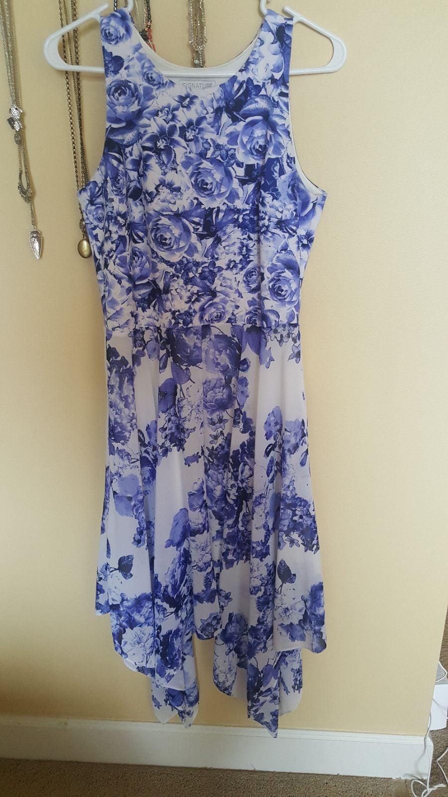 Floral midi dress with hanky hem
