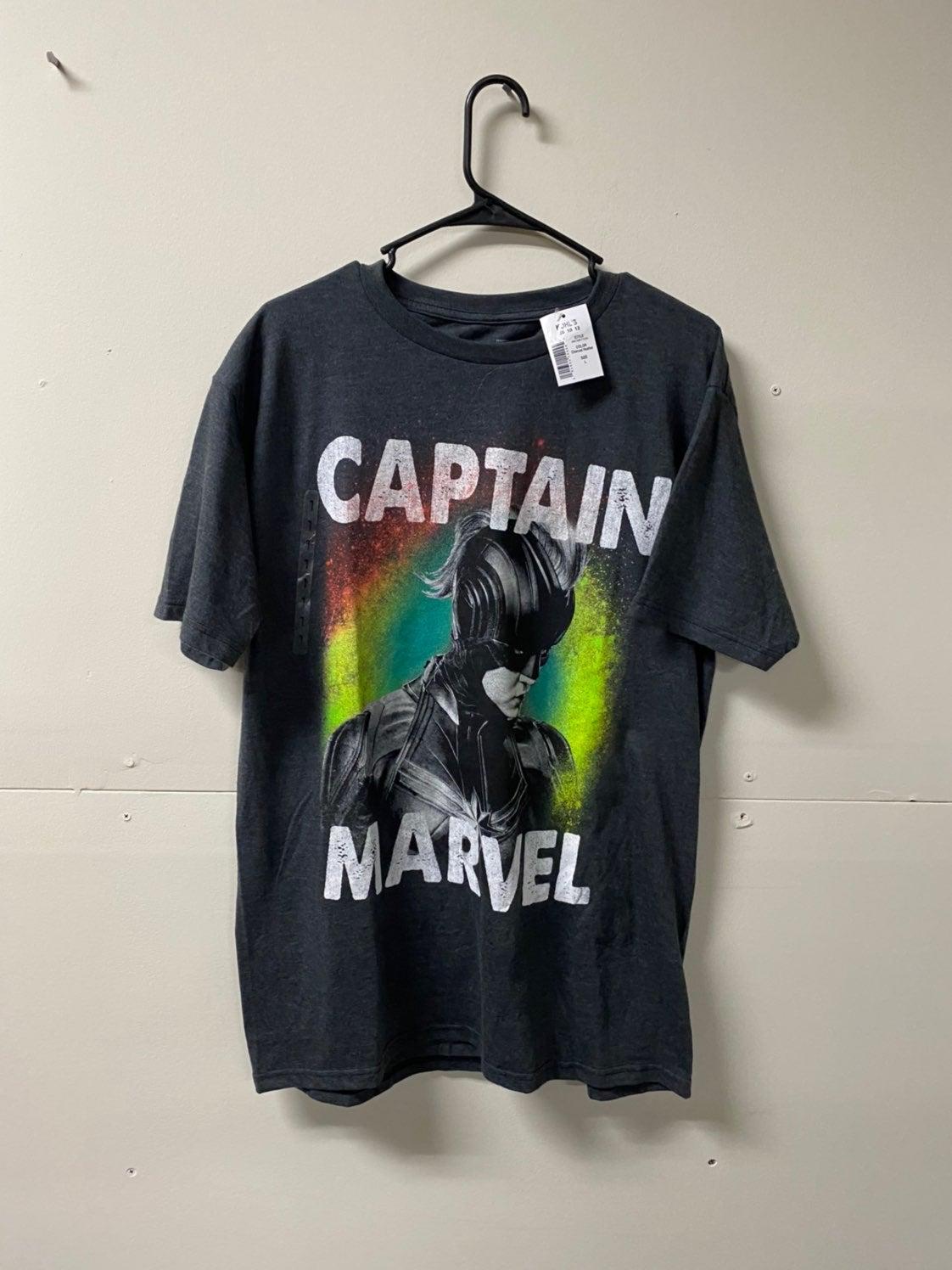 New Captain Marvel T-Shirt Large