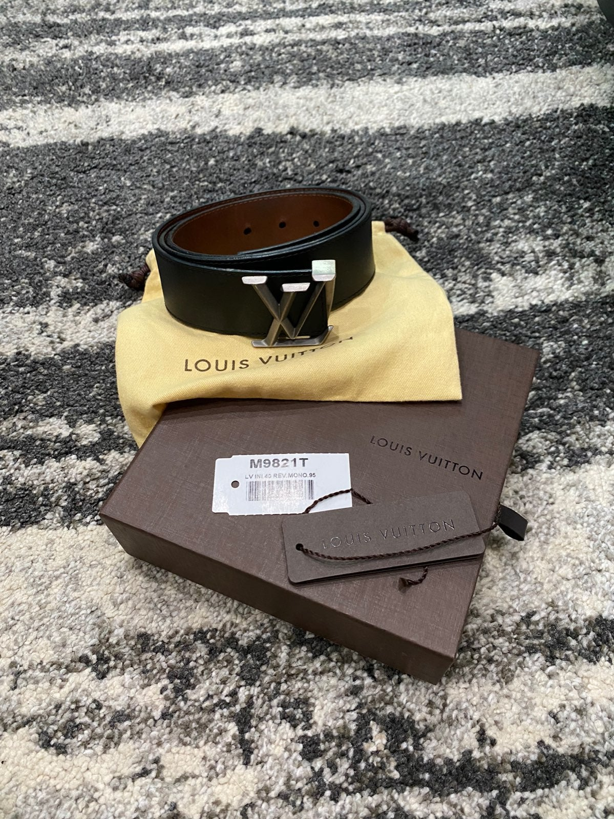 Louis Vuitton Reversible Belt