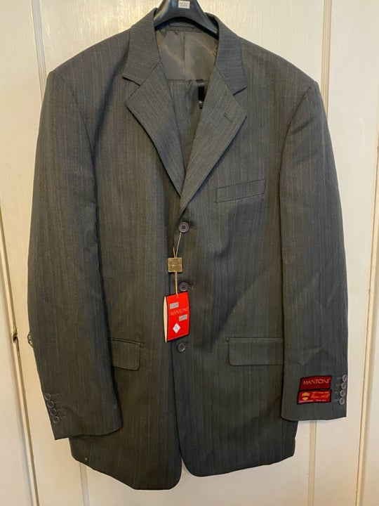 Mantoni 2 piece 100% wool suit 42L NWT