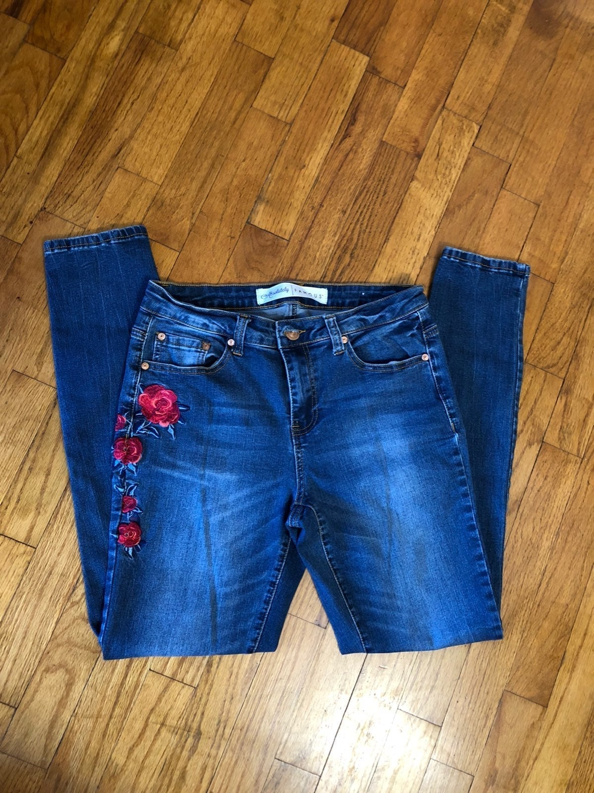 Absolutely Famouse Embroidered Skinny Jn