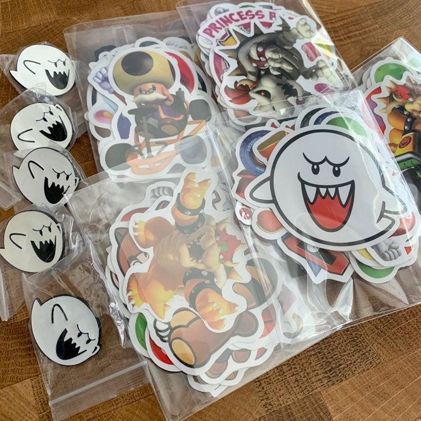 King Boo Pin & 20 Super Mario Stickers
