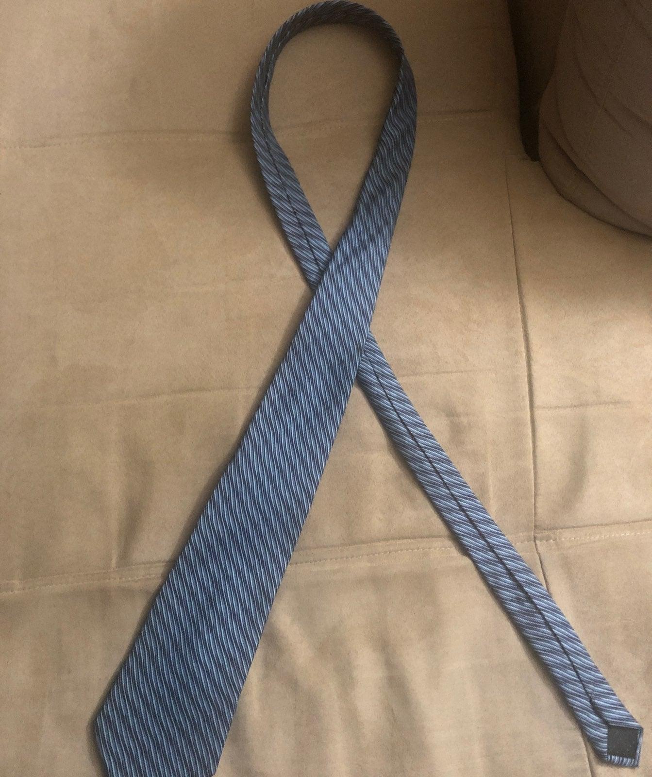 Manzo blue tie