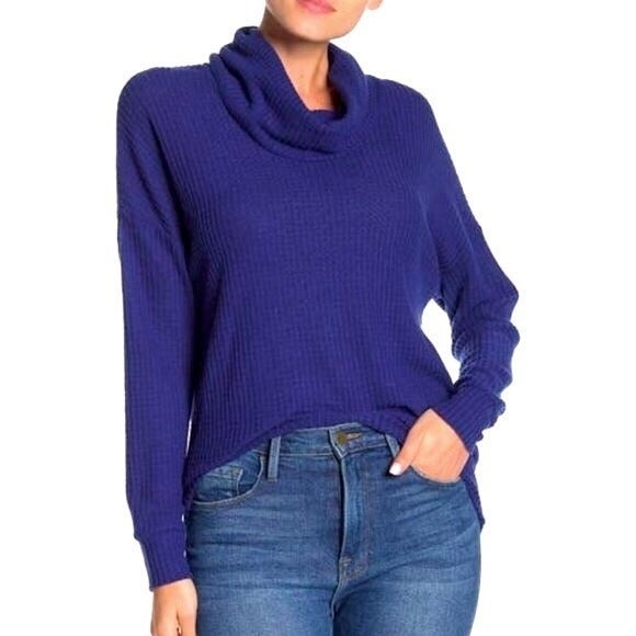 New Socialite Blue Waffle Knit Pullover