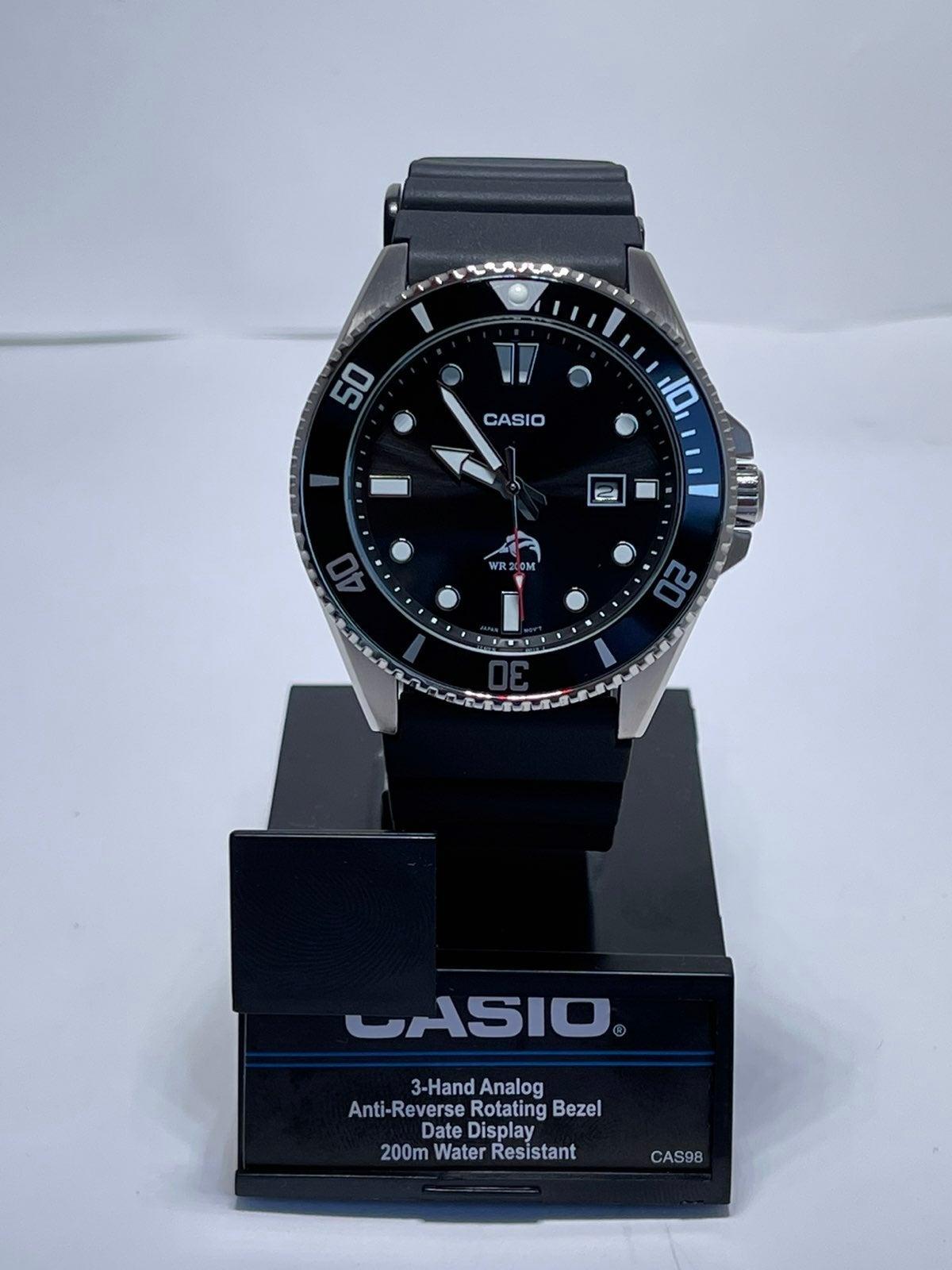 Casio Men's MDV106-1AV 200M Duro Analog