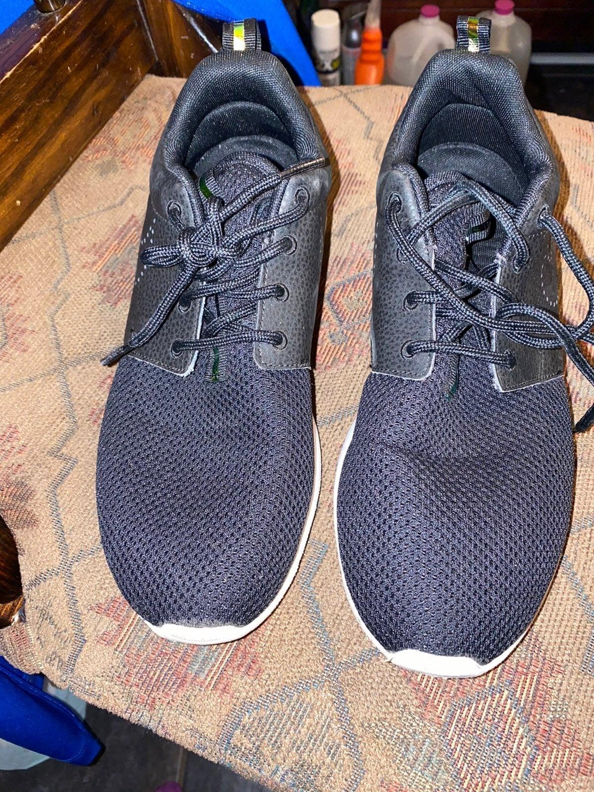 Nike womens size 9.5