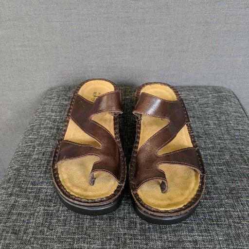 Sandals size 39