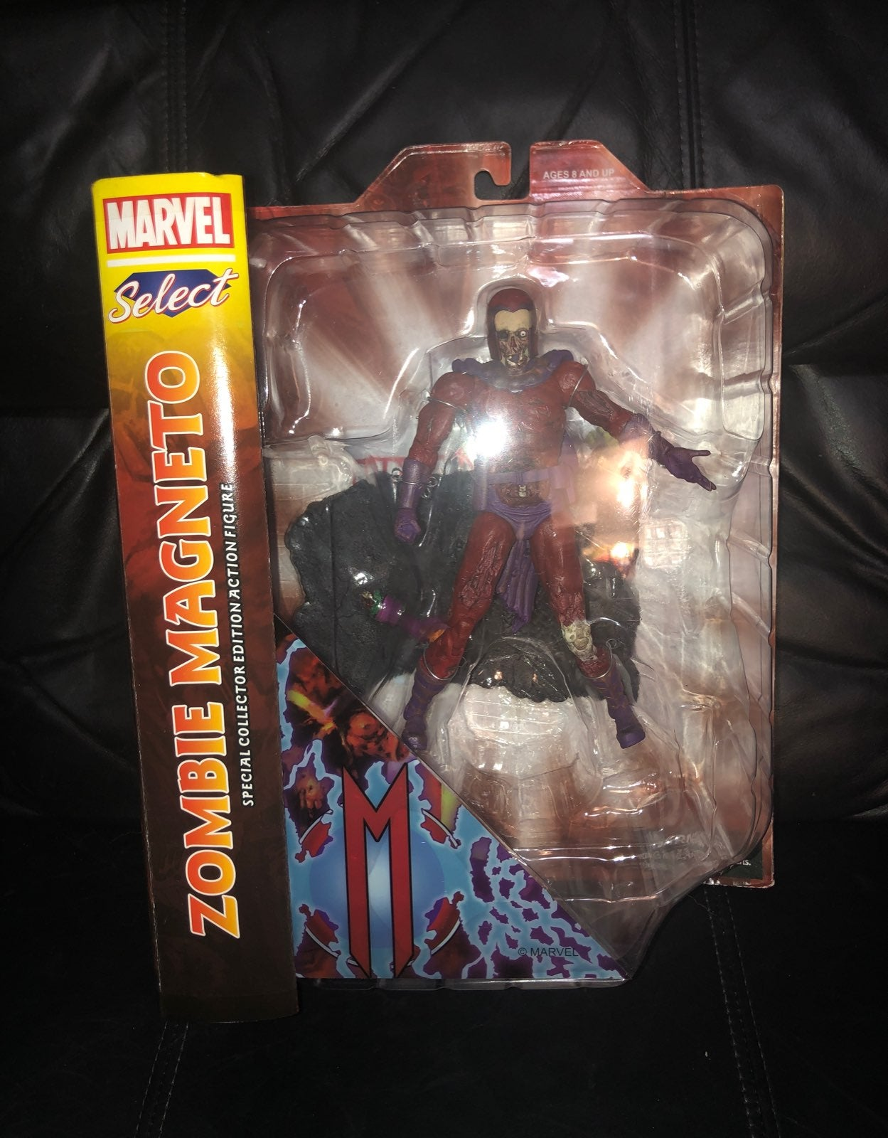Diamond Select - Marvel Zombie Magneto