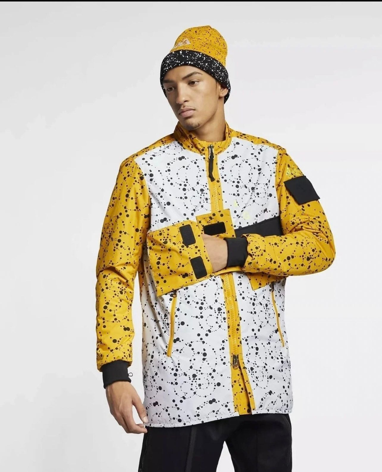XL Mens Nike ACG Insulated Jacket AQ353