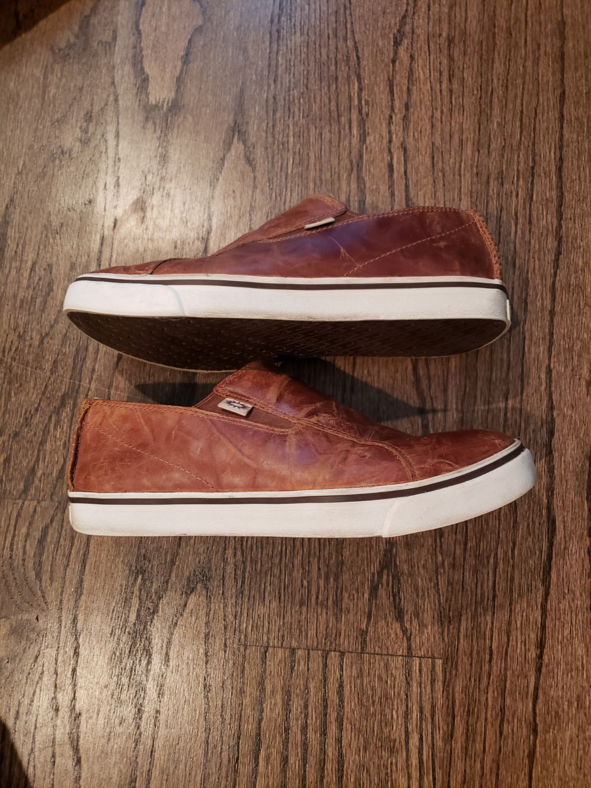 UGG Australia Brown leather sneakers