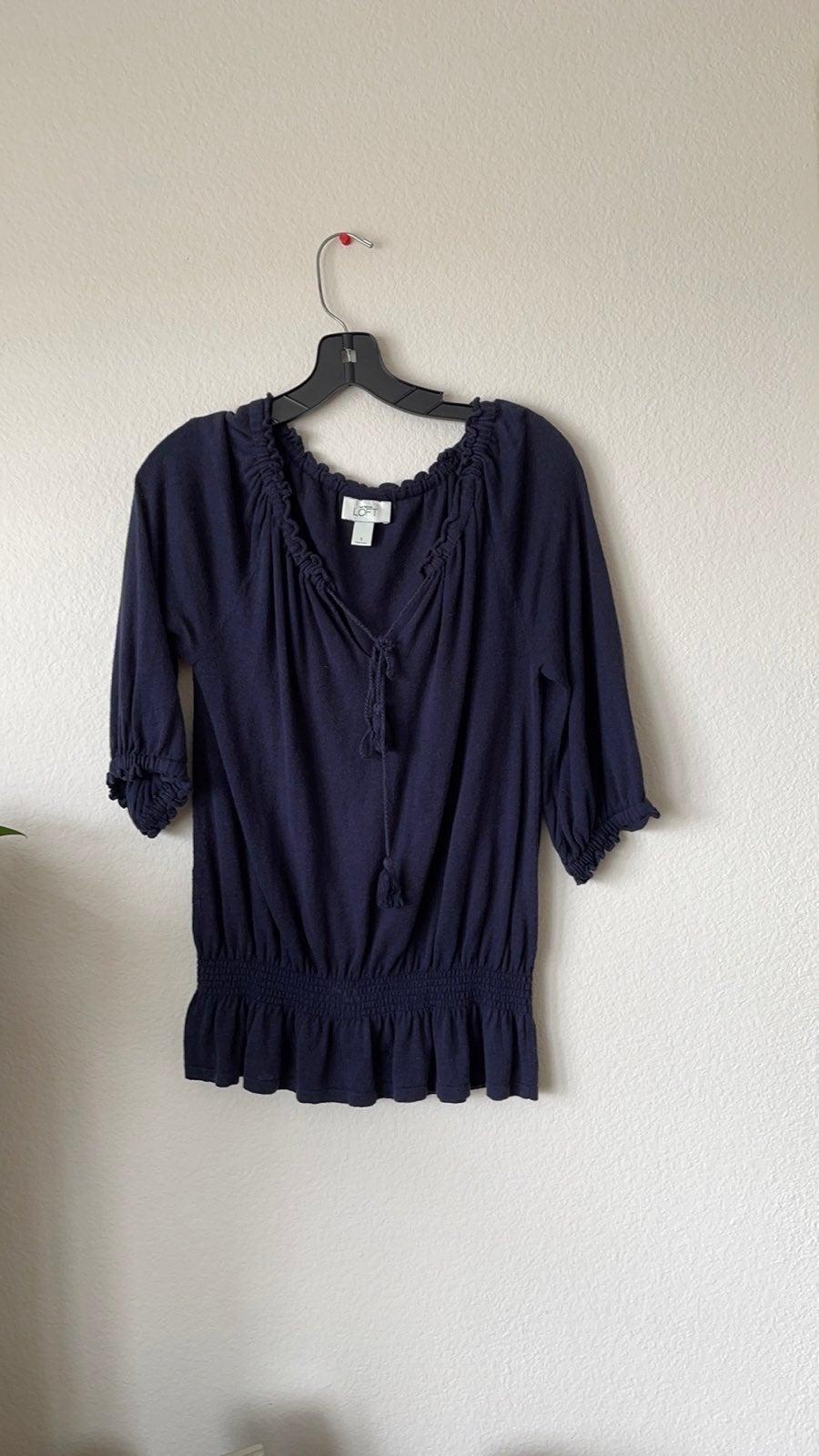 Pre loved LOFT light sweater size S colo