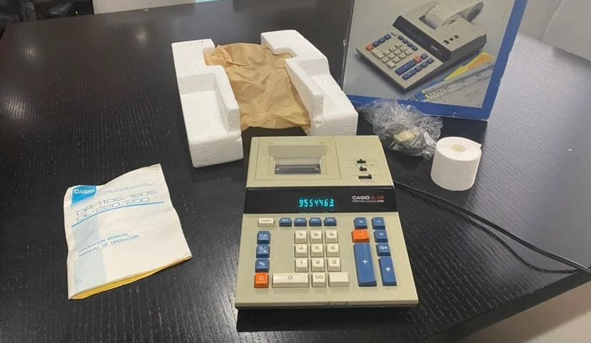 Vintage CASIO DL-220 Desktop Calculator