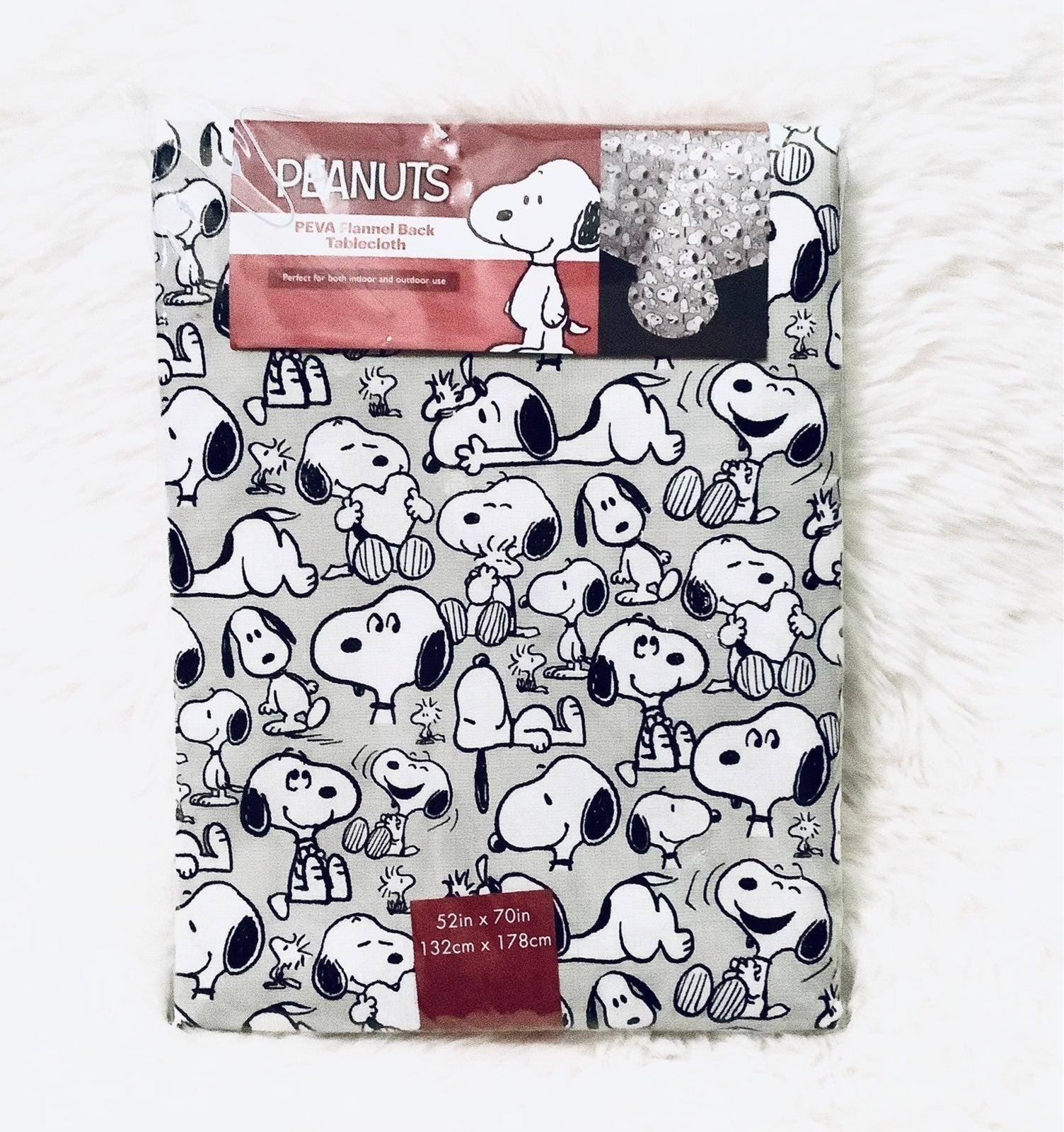 """Snoopy Vinyl Tablecloth (52"""" L x 70"""" W)"""
