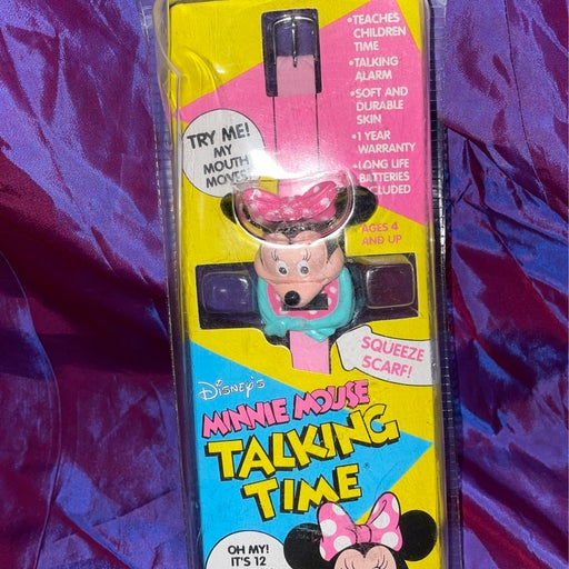 Minnie Mouse Talking Time watch