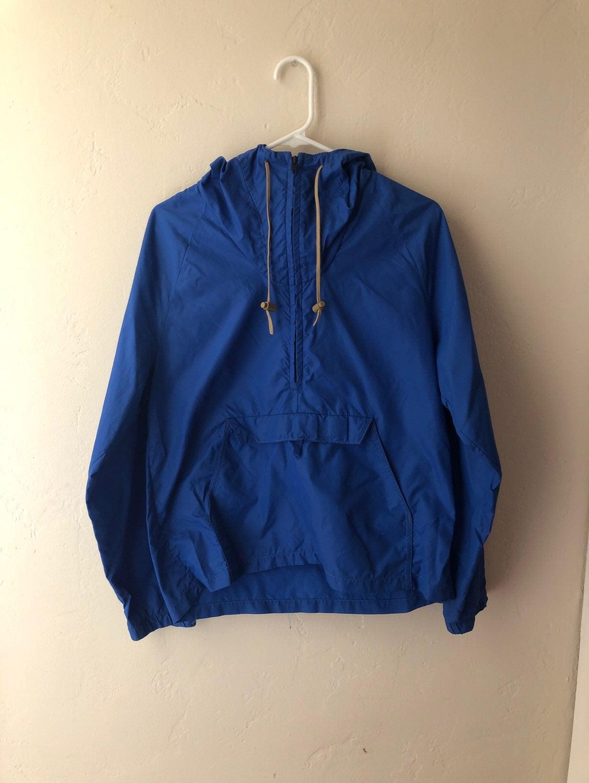 Vintage blue hooded windebreaker
